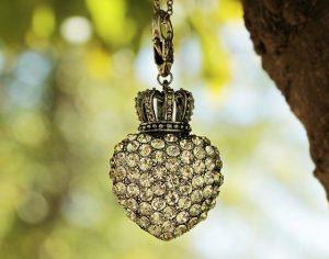 best glue for earrings, earrings backs and earrings posts